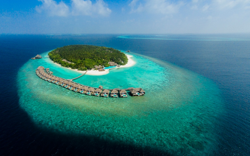 Dusit Thani Maldives Resort - Destination Deluxe