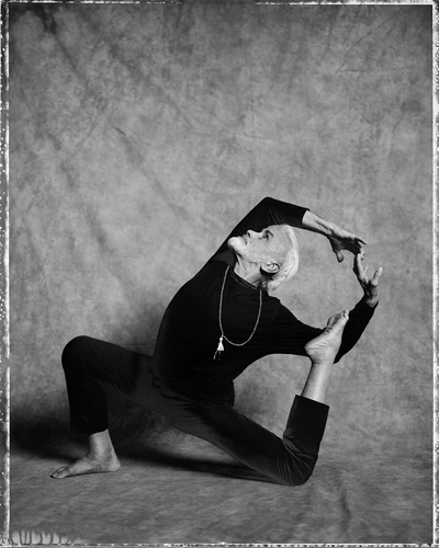 Sri Dharma Mittra by Yoga Photographer Richard Pilnick - Destination Deluxe