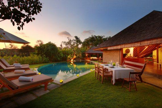 Villa Sin Sin Sunset - Destination Deluxe