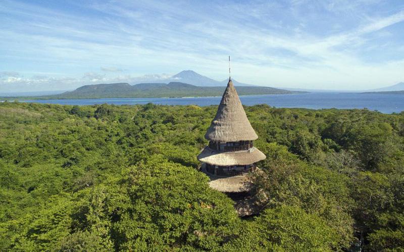 The Menjangan Bali Tower - Destination Deluxe