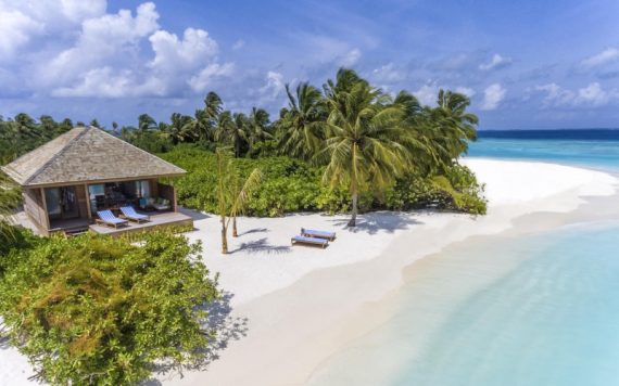Hurawalhi Maldives Beach Villa - Destination Deluxe