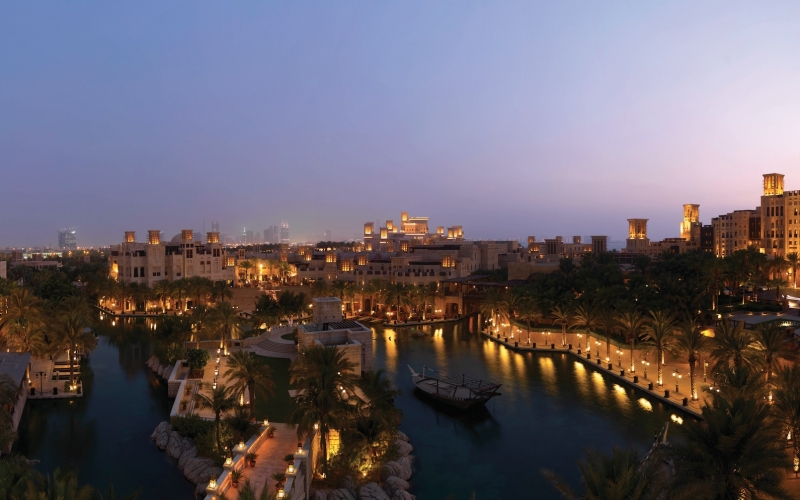 Madinat Jumeirah Dubai at Night - Destination Deluxe