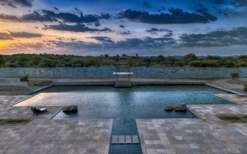 Evolve Back Kamalapura Palace Hampi Pool - Destination Deluxe