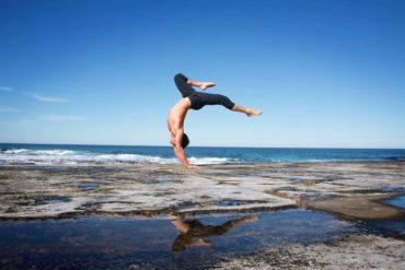 Rod Cooper Handstand Movement Collective - Destination Deluxe