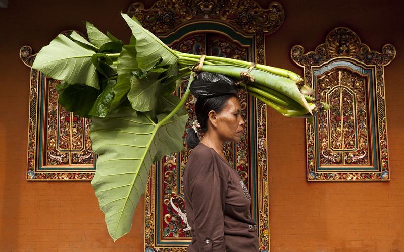 Women in Bali Bruna Rotunno Photographer - Destination Deluxe