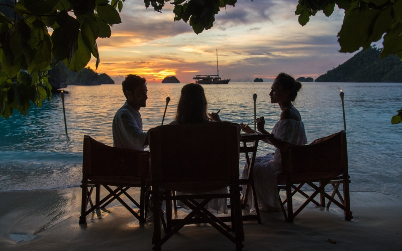 Sequoia Coral Triangle Safaris Romantic Beach Dinner - Destination Deluxe
