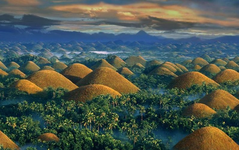 Chocolate Hills Bohol - Destination Deluxe