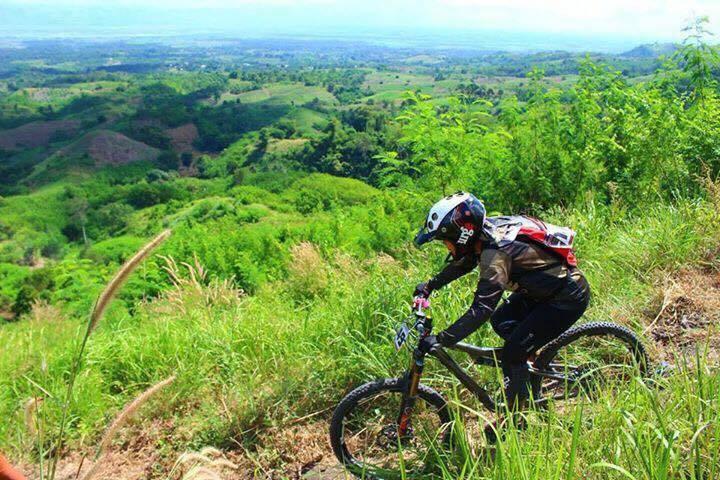 Mountain Biking Bohol - Destination Deluxe
