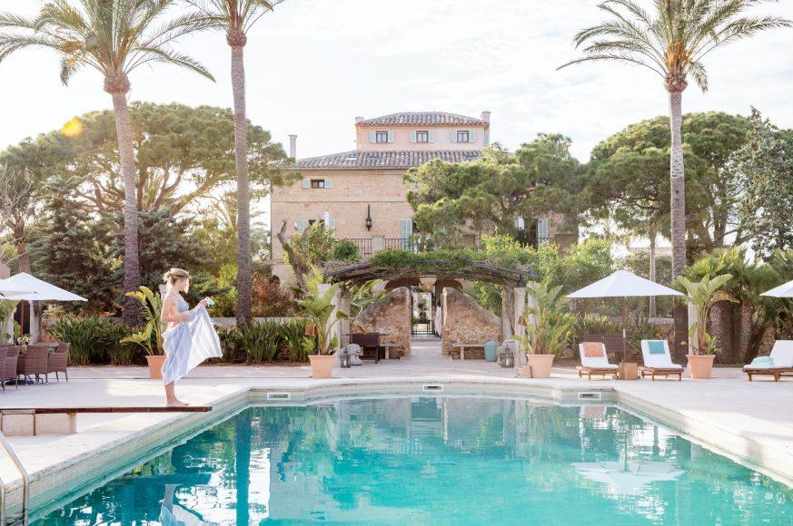 Cal Reiet Pool - Destination Deluxe
