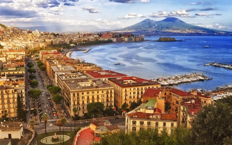 Naples - Destination Deluxe