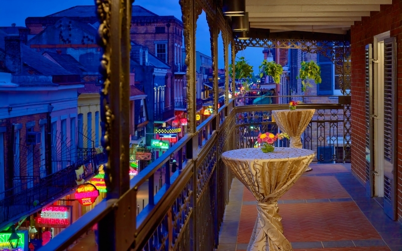 Royal Sonesta New Orleans By Night - Destination Deluxe