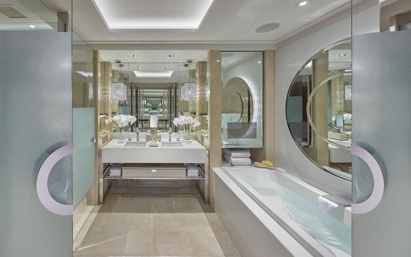 Crown Towers Melbourne Bath - Destination Deluxe