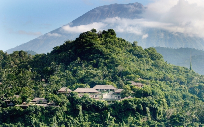 Amankila Bali Mount Agung - Destination Deluxe