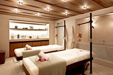 Hotel Cafe Royal Akasha Spa - Destination Deluxe