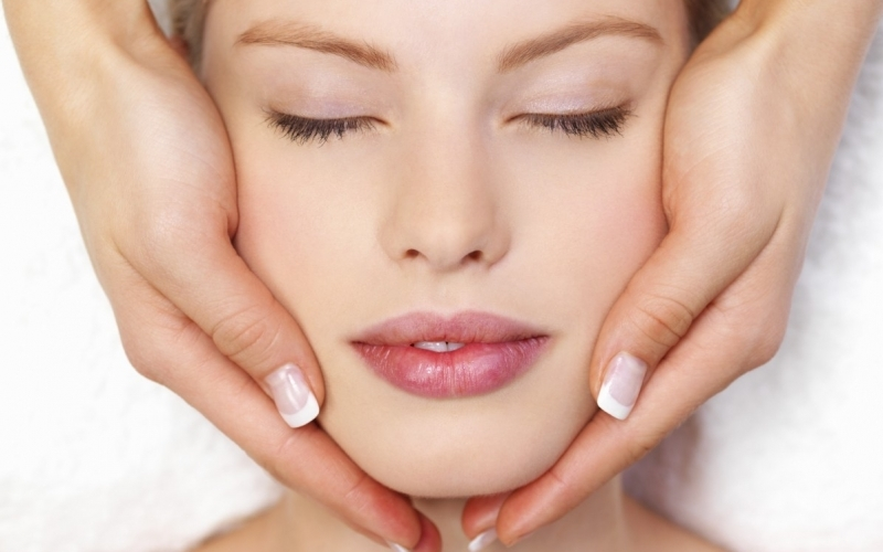 Lymphatic Facial Massage - Destination Deluxe