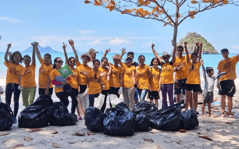 Beach Cleanup Koh Samui - Destination Deluxe