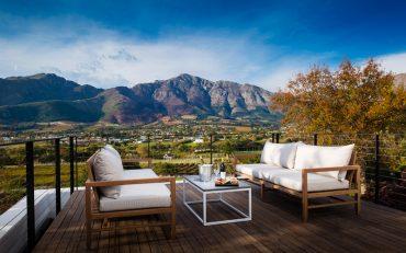 Month Rochelle Vineyard Manor House Terrace - Destination Deluxe