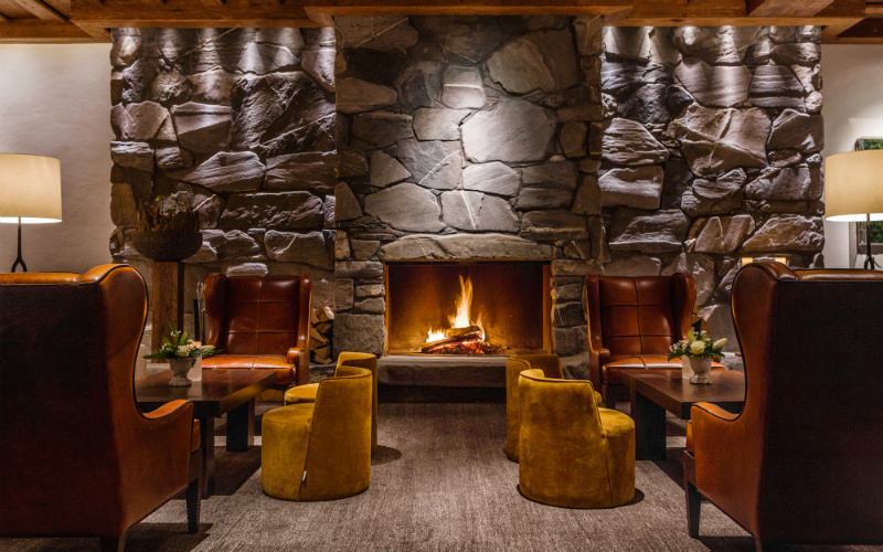 Alpina Gstaad_Lobby - Destination Deluxe