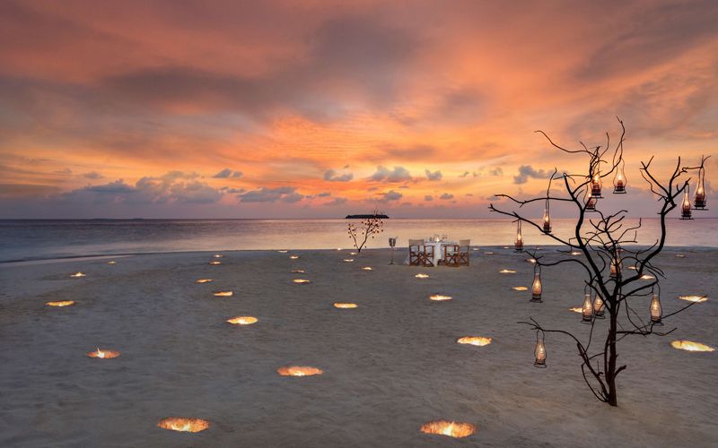Anantara Kihavah Maldives Romantic Beach Dinner - Destination Deluxe