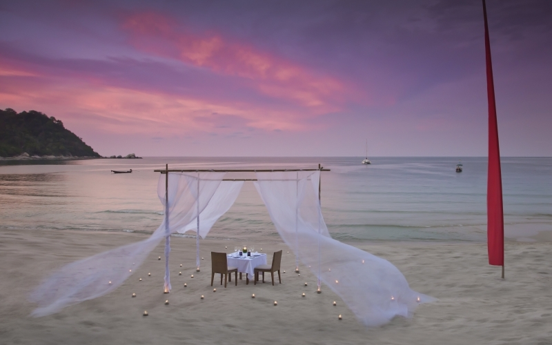 Anantara Rasananda Koh Phangan Villas Beach Dinner - Destination Deluxe