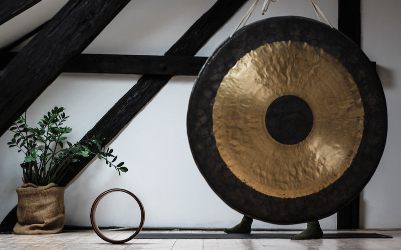 Gong-Sound-Heaing-Therapy-Destination-Deluxe
