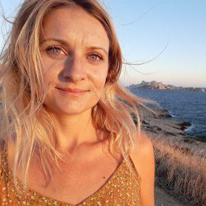 Isabelle Jan - Destination Deluxe