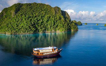 Raja-Ampat-Rascal-Voyages-Retreat-Mary-Tilson-Destination-Deluxe