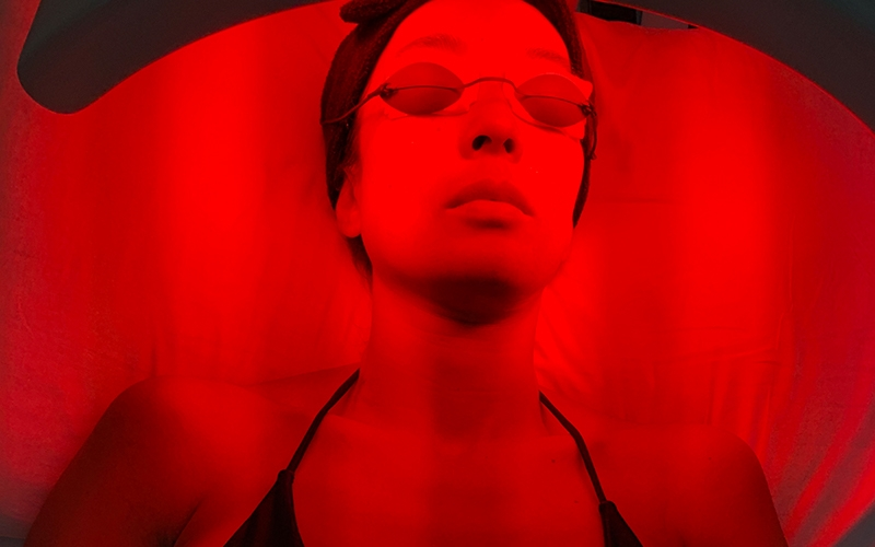 Red Light Therapy Biohacking - Destination Deluxe
