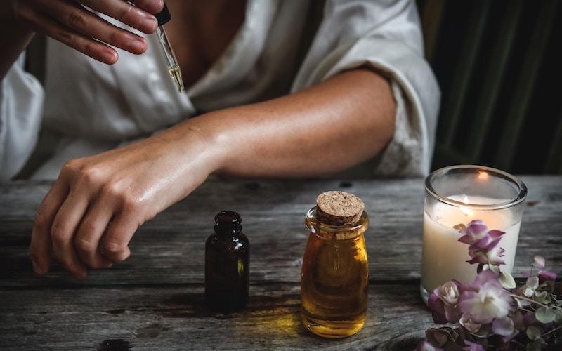 Sleep-Wellness-Aromatherapy-Essential-Oil-Destination-Retreat