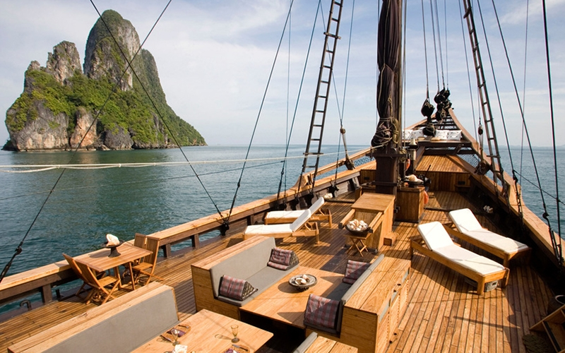 Silolona Indonesia Yacht Charter - Destination Deluxe