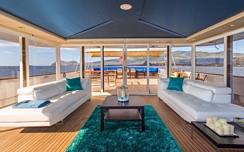 Yacht Charter in the Galapagos - Destination Deluxe
