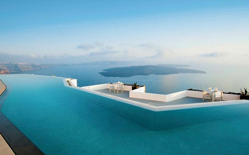Beautiful Pools Grace Hotel Santorini - Destination Deluxe