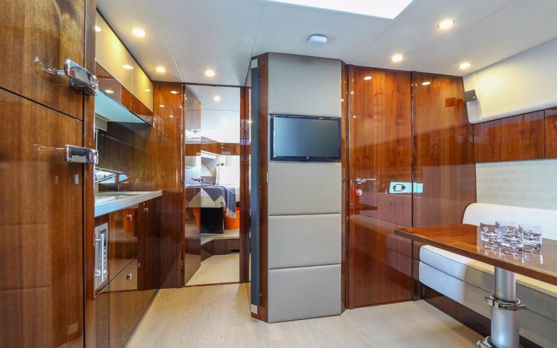 Fairline Simpson Marine Yacht Charters - Destination Deluxe