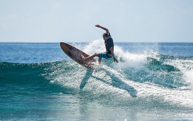 Maldives Surfing Gili Lankanfushi - Destination Deluxe