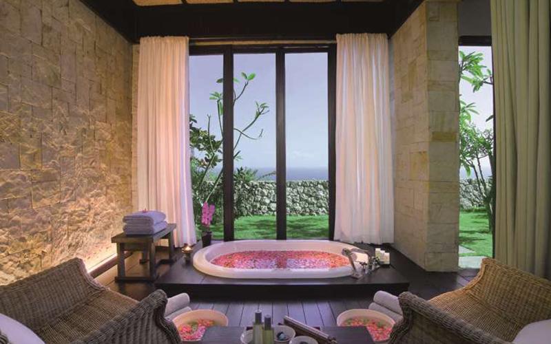 Spa Bath Bulgari Resort Bali Uluwatu - Destination Deluxe